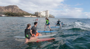 waikiki-family-surfing-lessons